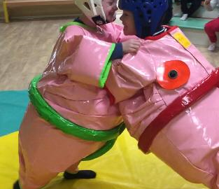combat-de-sumo-enfant-structure-gonflable-nice-06-paca