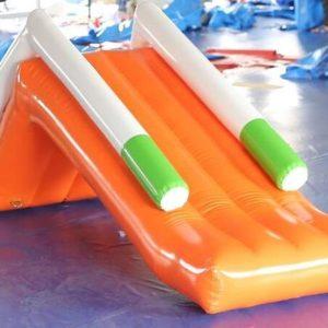 toboggan-gonflable-aquatique-piscine-location-structre-gonflable-aquatique-nice-06-paca