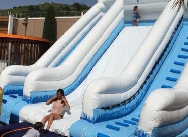 toboggan-gonflable-aquatique-location-structure-gonflable-nice-06-paca